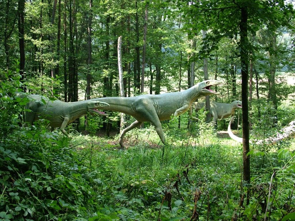 פארק הדינוזאורים Triassic Park