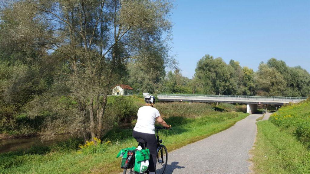 טיול אופניים לאורך הדנובה